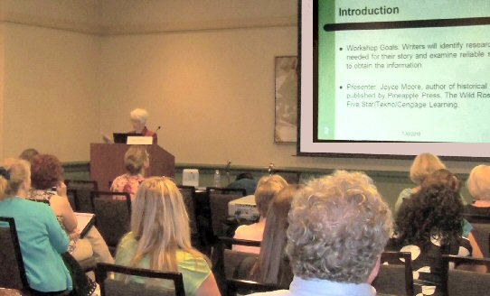 photo of Joyce giving her workshop at the RWA Conference